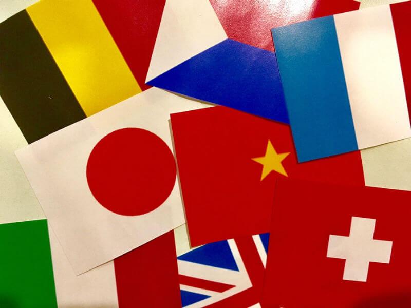 たくさんの国旗